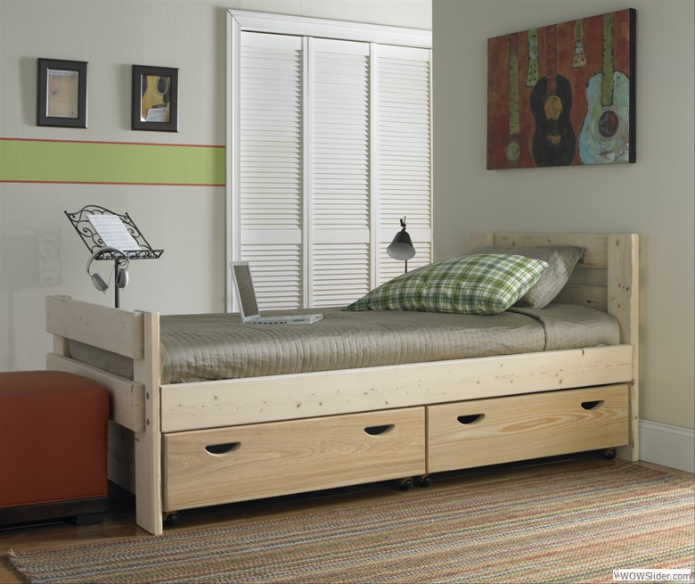 Captain's Bed With Storage Drawers